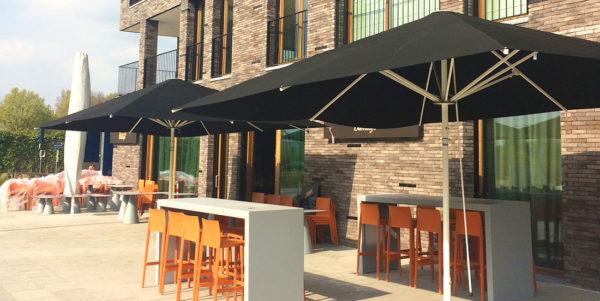 Brasserie De Barrage, Sint-Eloois-Vijve - MacSymo Parasol