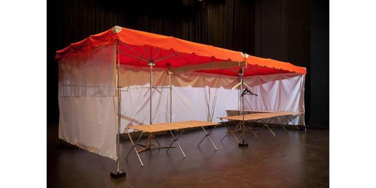 lits de camp pour stands de marché