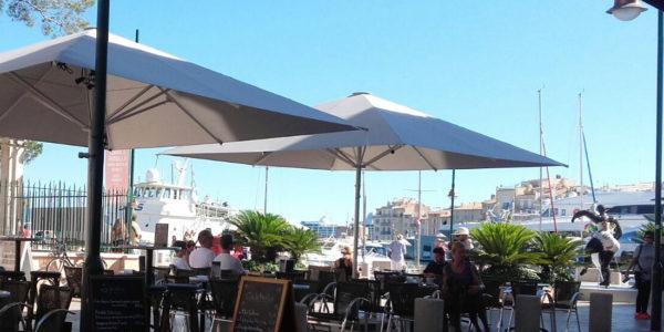 Brasserie du Port, Saint-Tropez - MacSymo Parasol
